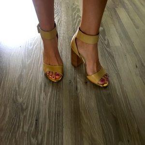 Lipstik Tan Nude Ankle strap sandal block heels